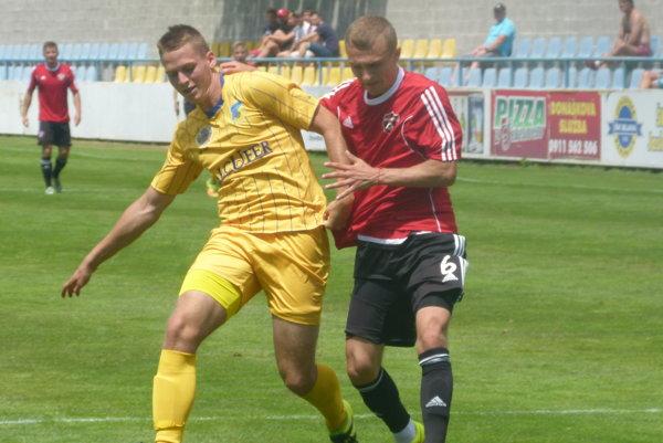 Ilja Cherednichenko robil svojou rýchlosťou a aktivitou problémy obrane Gyoru.