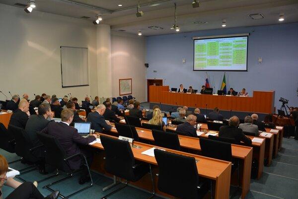 Do komisií na vyhodnotenie ponúk sú nominovaní aj poslanci ŽSK.