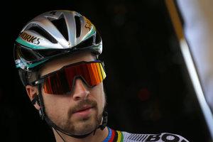 Na snímke Slovák Peter Sagan po podpise na štartovú listinu pred štartom štvrtej etapy Tour de France.