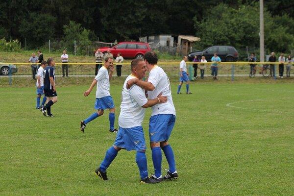 Tradíciou v obci Zákopčie je futbalový turnaj o Pohár Fedora Flašíka.