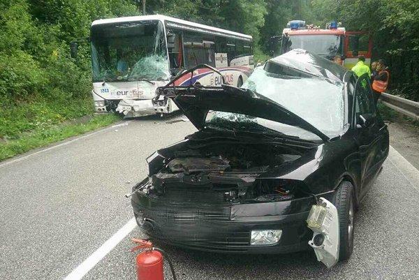 Tragická nehoda si vyžiadala jednu obeť.