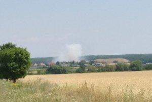 Dym bolo vidieť až z Modry.