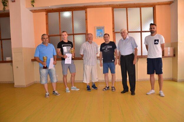 II. trieda, zľava: I. Minčev (ŠK Štítnik), P. Luspaj (Lipovník), M. Gallo (FK Štítnik KT).