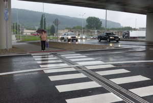 Vodiči musia sa prechodoch zvýšiť pozornosť.