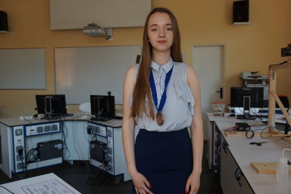Študentka Gymnázia Poštová. Na turnaj trénovala na Prírodovedeckej fakulte UPJŠ.