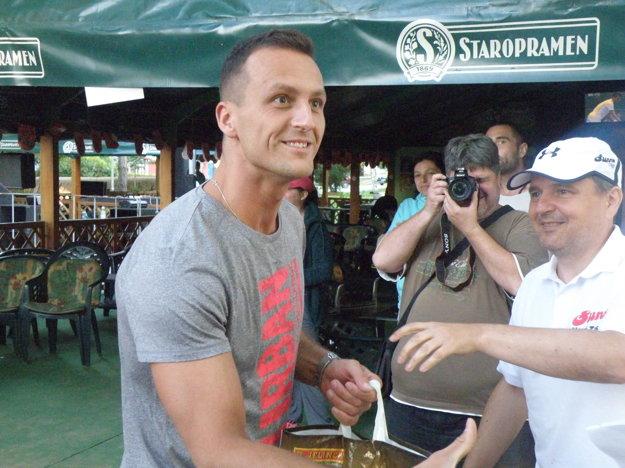 Najužitočnejším hráčom turnaja bol vyhlásený Michal Gréč zbronzového tímu Nerozbaľovať!