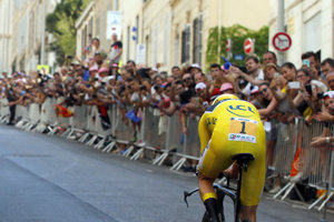 Chris Froome smeruje do cieľa etapy.