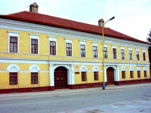 Baníckemu múzeum v Rožňave.