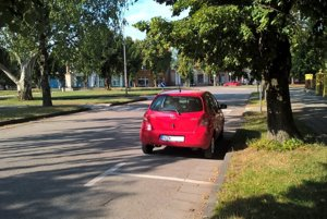 Parkovanie v centre Šurian