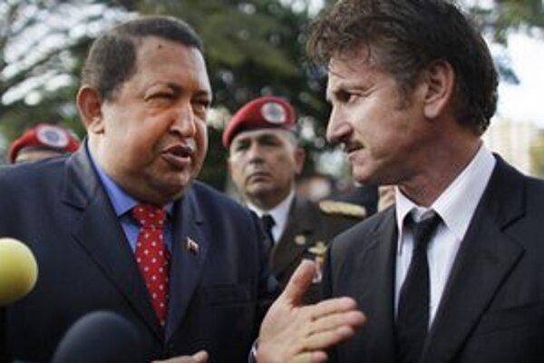 Podľa herca Seana Penna (vpravo) Spojené štáty prišli o priateľa, o ktorom nikdy netušili, že ho majú.