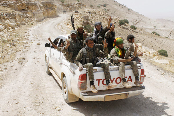Kurdské milície - pre Američanov spojenci, pre Turkov teroristi.