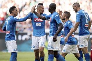 Hráči SSC Neapol sa radujú po jednom zo svojich gólov.