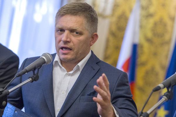 Na snímke predseda strany SMER-SD Robert Fico počas tlačovej konferencie po rokovaní Koaličnej rady v Bratislave 3. augusta 2017.