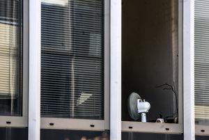 Úradníci, ktorí nemajú v kancelárii klímu, trpeli.