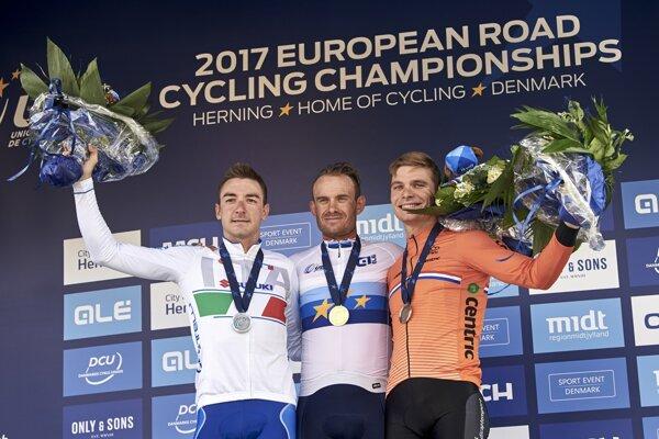 Na majstrovstvách Európy v dánskom Herningu získal Viviani (vľavo) striebornú medailu v pretekoch s hromadných štartom.