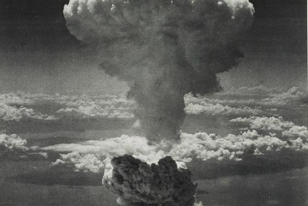Výbuch atómovej bomby v Nagasaki.