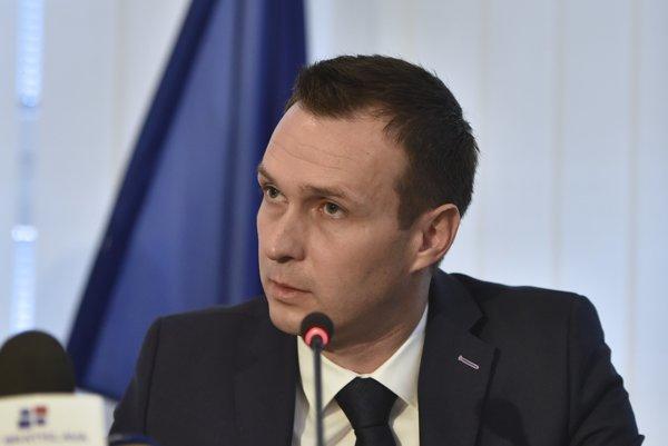 Advokát Peter Ďurček už pre štát pracuje, je štátnym tajomníkom na ministerstve dopravy.