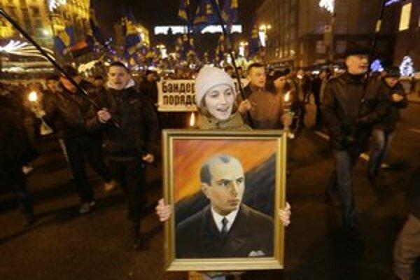Vzor ukrajinských nacionalistov, Stepan Bandera (na obraze).