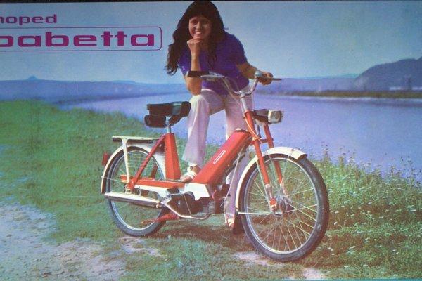 Moped Babetta sa vyrábal najskôr pre holandského odberateľa. Keď ten upustil od veľkých kolies a mopedy dostali menšie, rýchlo prenikli aj na nemecký trh.