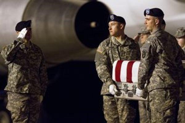 Americkí vojaci sú častejšie obeťami samovraždy ako priamych bojov.