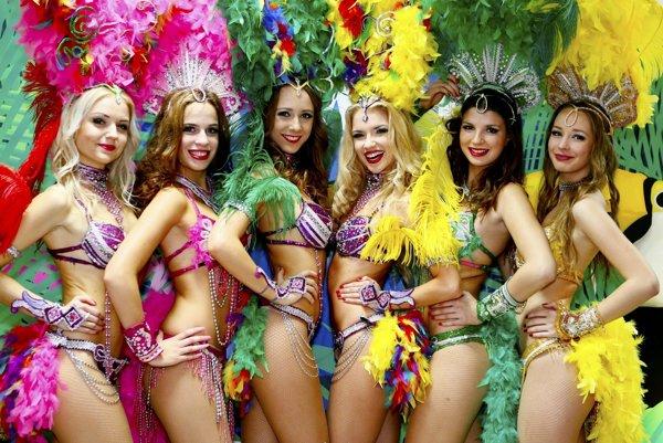 Vrcholom sobotného večera bude Latinoshow s Campanou Batucadou, Dominikou Titkovou and Friends, Lee Perezom, Lazarom a Bailadora dance group (na snímke).