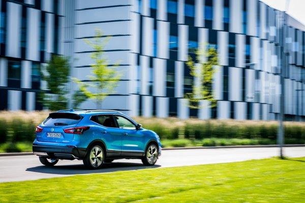 Nissan Qashqai tento rok absolvoval malý facelift a ostáva najpredávanejším SUV v Európe