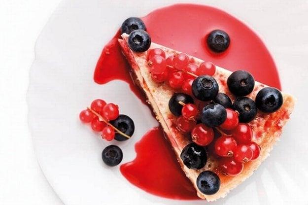 Poctivý cheesecake s ovocím