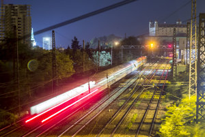 Polkilometrový vlak z rumunského Banátu v Bratislave, 21. augusta 2017.