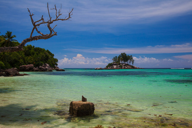 Seychely sú luxusnou a drahšou destináciou oproti Mauríciu.
