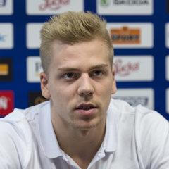 Erik Černák je jediným zámorským hráčom, ktorý sa dostal do prvej nominácie nového trénera Slovenska.