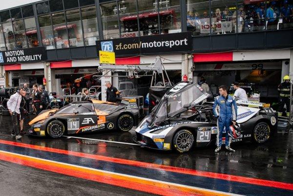 Samuel Sládečka sa predstavil na holandskom okruhu v Zandvoorte. Kvalifikáciu poznačil dážď.
