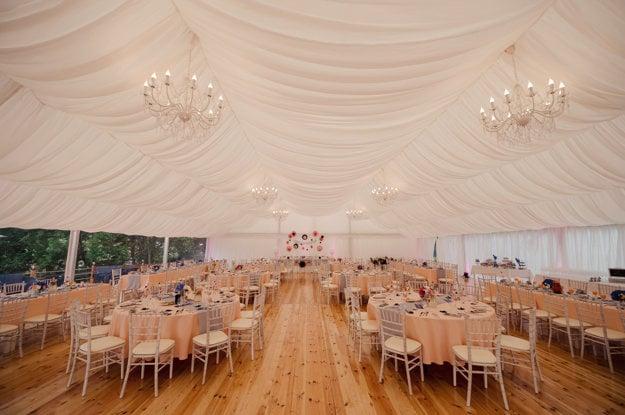 Nádherný svadobný priestor.