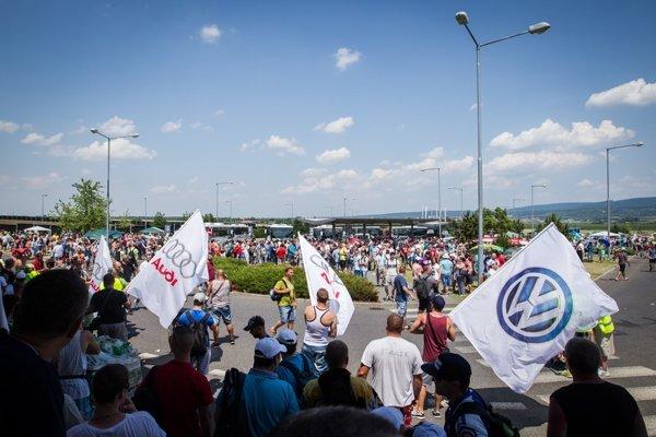 Júnový štrajk vo Volkswagene trval šesť dní azapojila sa doň väčšina z13-tisíc zamestnancov.