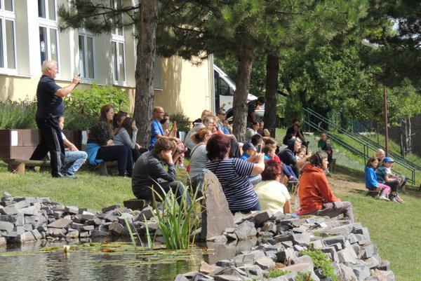 Škola žije návštevníkmi aj cez prázdniny.