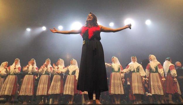 Spokojná Jana Kirschner. Spievala na Štrbskom Plese.