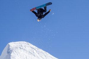 Nórsky snoubordista Marcus Kleveland zvíťazil na úvodnom podujatí novej sezóny Svetového pohára FIS.
