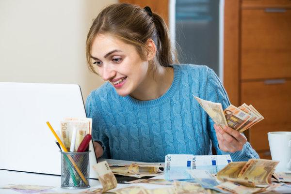S úvermi treba opatrne. Strata zamestnania alebo choroba nás dostanú do problémov.