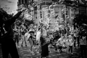Víťazná fotka súťaže Slovak Press Photo: Praha 2017 - Staromestské námestie.