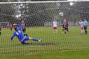 Michal Kempný takto strelil prvý gól Blatnice, pri pokutových kopoch sa nezvykne mýliť.