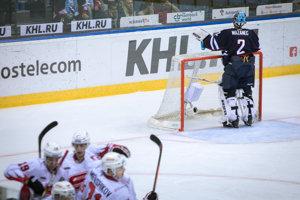 Sprava: Marek Mazanec z HC Slovan Bratislava počas zápasu Kontinentálnej hokejovej ligy (KHL) medzi HC Slovan Bratislava - Avangard Omsk.