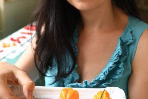Na snímke jemne pálivá paprika čínska - Capsicum chinense.
