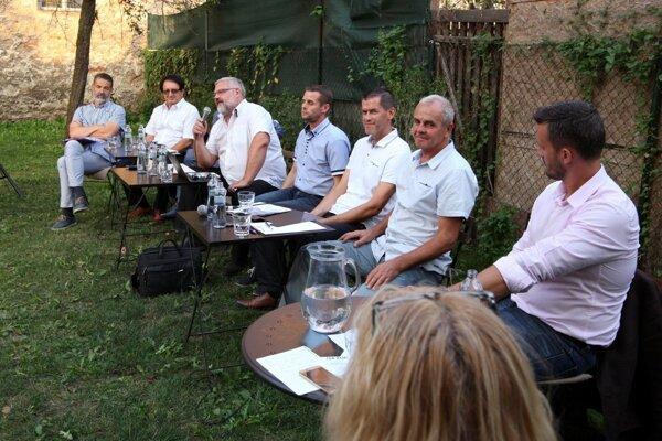 Foto z diskusie kandidátov na predsedu BBSK.