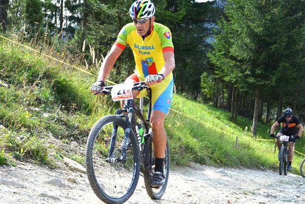 Cyklistov čakal náročný terén piatich unikátnych pretekov v regiónoch Žilinskej župy.