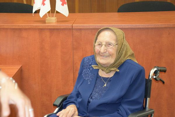 100-ročná Mária. Stále súsmevom na tvári.