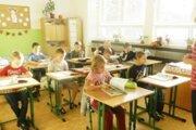 Žiaci 2. ročníka ZŠ internátnej pre žiakov snarušenou komunikačnou schopnosťou vJamníku.