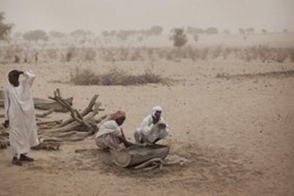 Kočovníci v Líbyi. Strany nebudú môcť byť založené ani na kmeňovej príslušnosti.