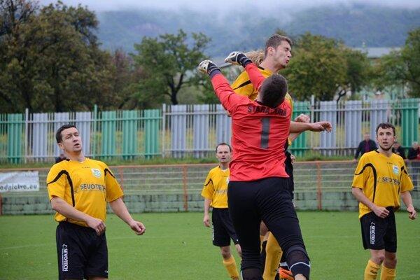 Staroturanci dostali v Lehote pod Vtáčnikom sedem gólov.