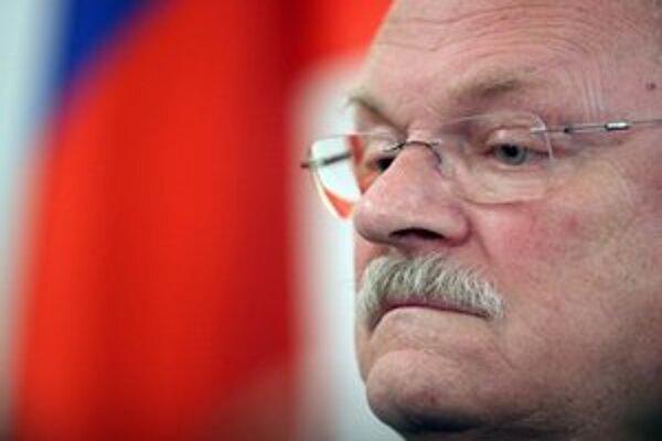 Ivan Gašparovič je vraj znepokojený, no so susedom hovoriť chce.