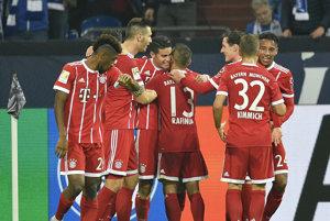 Hráči Bayernu zvíťazili nad Schalke 3:0.