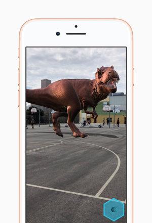 Myslíte, že ten Tyranosaurus je naozaj na ihrisku?